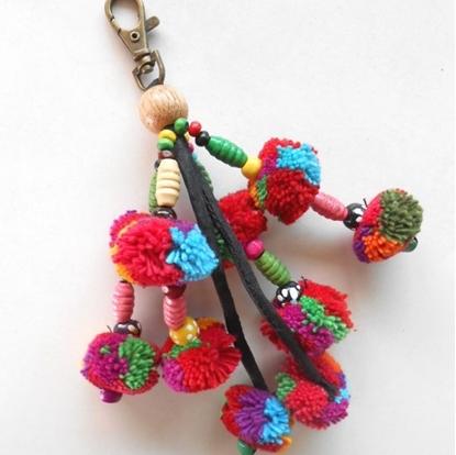 Picture of Key Holder 4 Legs Little Pom Poms Keychain
