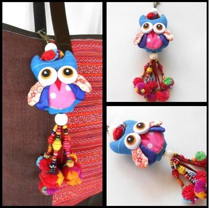 Picture of Blue or Red Owl Hanging Little Pom Poms Key chain.