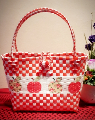 Picture of Apple Plastic Woven Bag