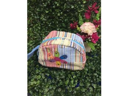 Picture of กระเป๋าเครื่องสำอาง ทรงครึ่งกลม ลายดอกไม้ ไซส์เล็ก