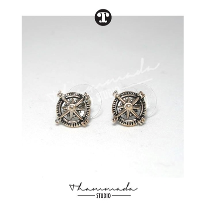 Picture of COMPASS STUD EARRING