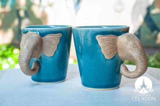 Picture of Elephant Mug Set With Silk Box