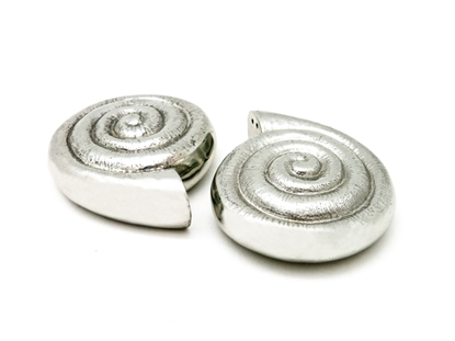 Picture of Loyfar Pewter Nautilus Salt & Pepper Shakers (2 Pieces)