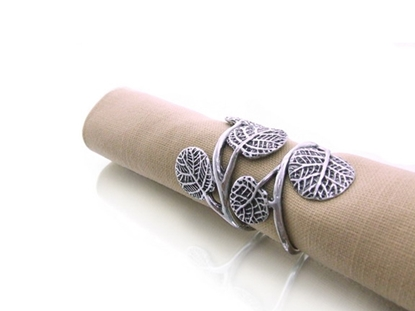 Picture of Loyfar Pewter Gecko Leaves Napkin Ring