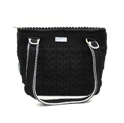 Picture of Black heart crochet bag