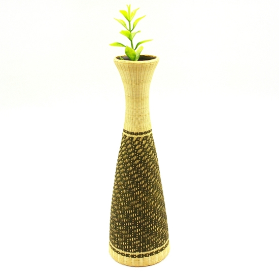 Picture of Grid pattern - Ceramic bamboo hand weaving triangle vase size 18 cm.