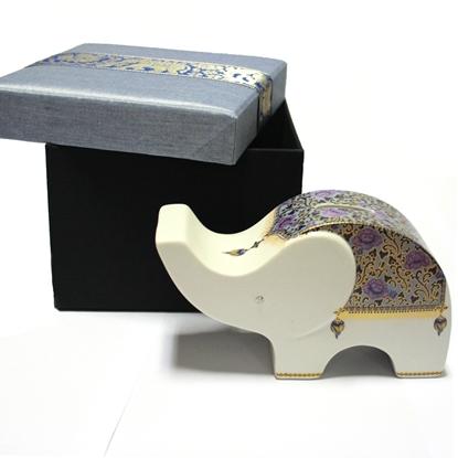Picture of กระปุกเซรามิกรูปช้างทรงเหลี่ยม พร้อมกล่อง