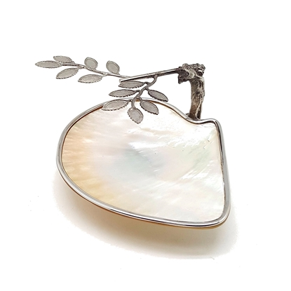 Picture of Motherof pearl plate with tree