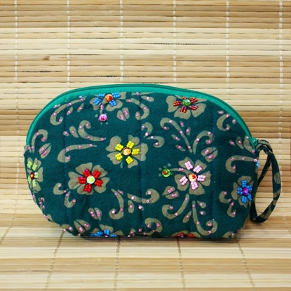 Picture of Emerald green half-circle pouch