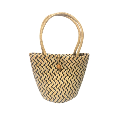 Picture of Woven bucket handbag