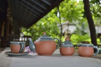 Picture of Blue celadon tea set