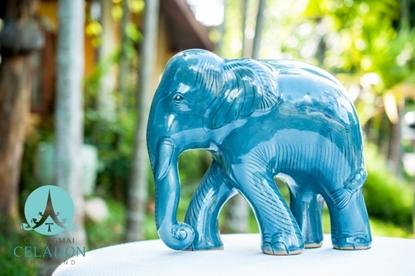 Picture of รูปปั้นช้างป่าสีน้ำเงิน