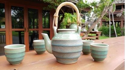 Picture of Blue tea set celadon