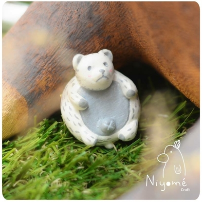 Picture of Copy of a super cute fat polar bear ( handmade brooch )