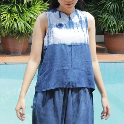 Picture of ผ้ามัดย้อมสีคราม เสื้อแขนกุดคอจีน