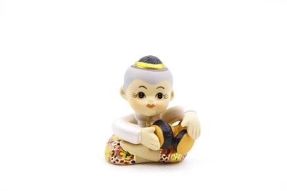 Picture of ตุ๊กตาเล่นดนตรีไทย-ตีกลองรำมะนา